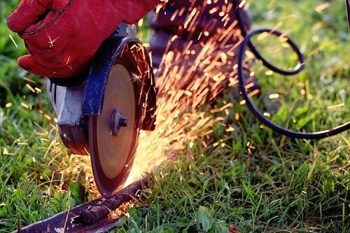 sierra circular para cortar metal