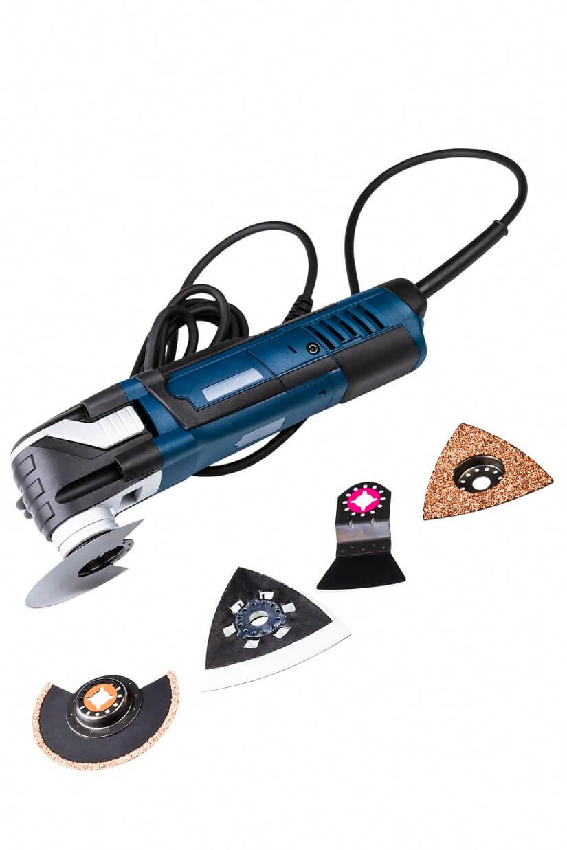 sierra oscilante con varios tipos de lijas